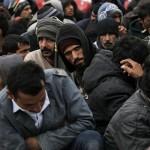 مهاجرون يتظاهرون على الحدود بين اليونان ومقدونيا