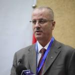 رئيس الحكومة الفلسطينية يحذر من انفجار الأوضاع الأمنية في حال نقلت أمريكا سفارتها إلى القدس