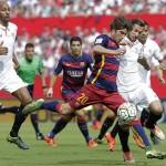 برشلونة يهدر نقطتين وريال يفوز برباعية على أشبيلية