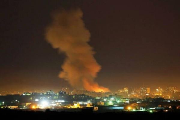 طائرات الاحتلال تقصف نفقاً على الحدود الجنوبية لقطاع غزة
