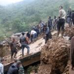 8 طلاب باكستانيين مفقودون في انهيار أرضي