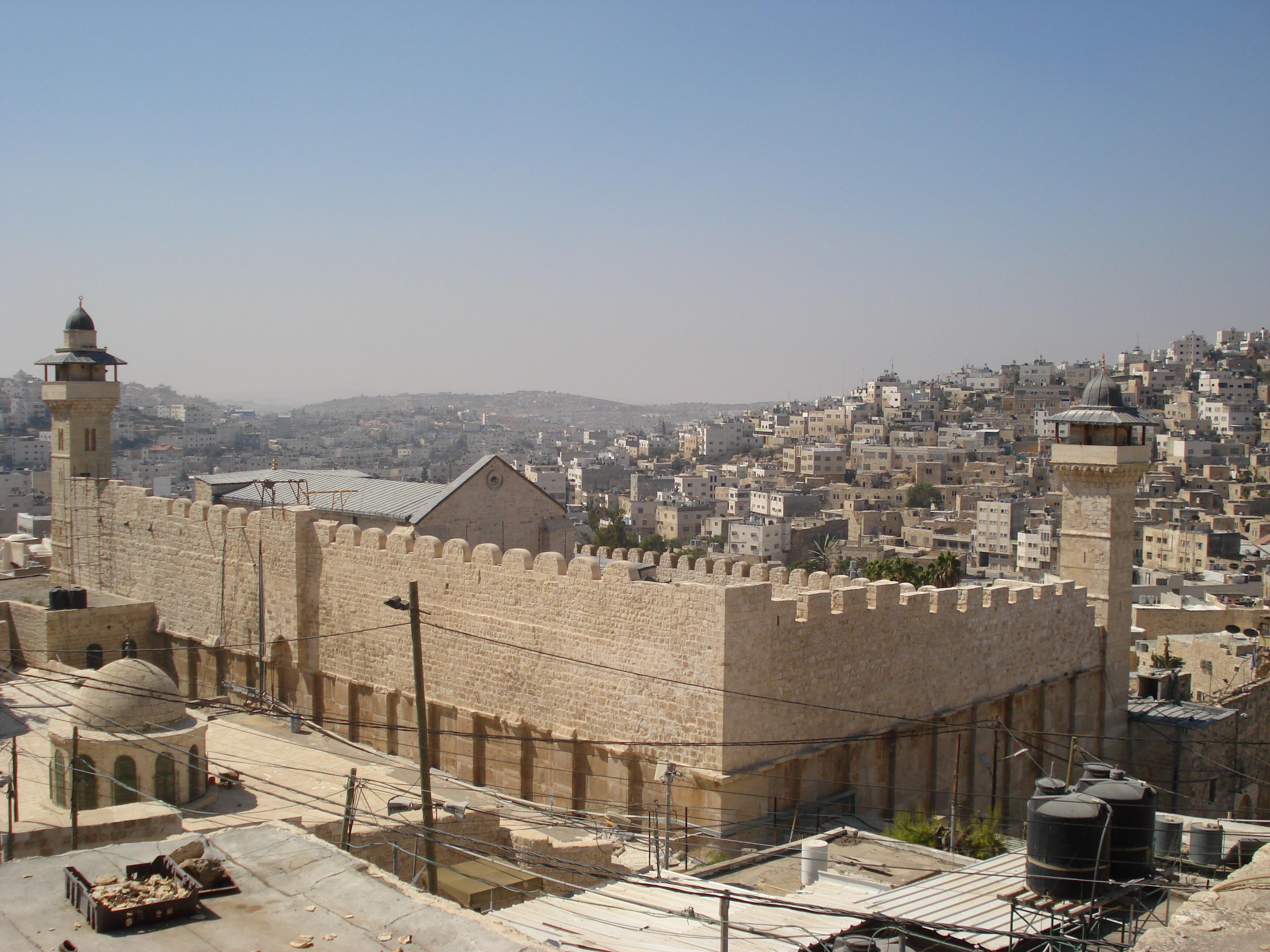 انتهاكاً صهيونياً للمسجد الأقصى والابراهيمي a9c7a8228ff49ad0a7fa789162427427.jpg