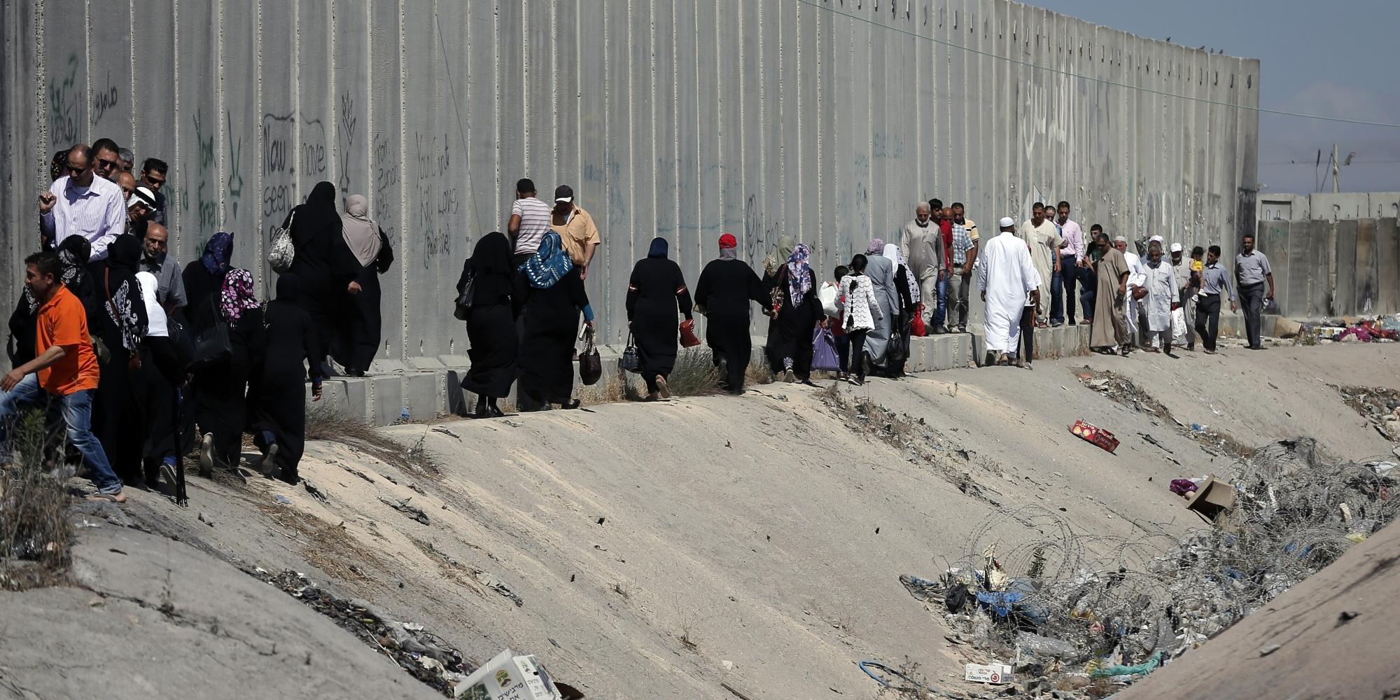 حكومة الاحتلال تقرر الانتهاء من بناء الجدار الأمني سريعًا