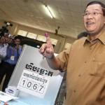 رئيس وزراء كمبوديا يقاضي معارضين على خلفية مقتل محلل سياسي