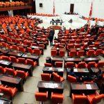 البرلمان التركي يدين تصريحات ماكرون في النزاع الدائر حول الرسوم