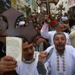 صور| آلاف المسيحيين المصريين في الأراضي المحتلة.. هل فتحت الكنيسة باب التطبيع؟