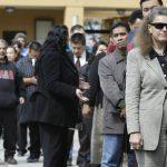 نيوزيلندا تشدد قيود الهجرة للتشجيع على توظيف العمالة المحلية