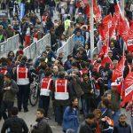 الشرطة التركية تعتقل متظاهرين وتطلق الغاز المسيل للدموع  في وسط إسطنبول