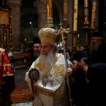 المسيحيون الأرثوذكس يحضرون قداس عيد القيامة في القدس