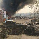 ألبرتا الكندية تعد لنشر المزيد من رجال الإطفاء لمكافحة حرائق الغابات