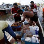 بدء وصول المساعدات الأجنبية إلى سريلانكا مع انحسار الفيضانات