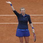 كفيتوفا تتقدم في بطولة فرنسا للتنس