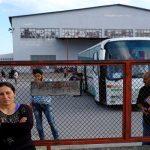 صور| استمرار عملية إخلاء مخيم إيدوميني للاجئين لليوم الثاني على التوالي