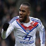 «ليون» الفرنسي يرفض التخلى عن الهداف لاكازيت مقابل 40 مليون يورو