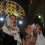 صور| الكنيسة الأرثوذكسية تصلي على أرواح ضحايا الطائرة المصرية المنكوبة