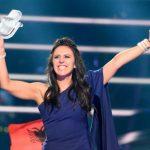 رئيس أوكرانيا يكرم المغنية جامالا الفائزة في مسابقة يورو فيجن