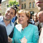 ألمانيا تعتمد قانونا يحدد قواعد دمج اللاجئين