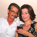 صور| ليليان داود مع والدها في الدبية بعد ترحيلها من مصر