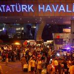 فيديو| الشرطة التركية تحقق مع سائق منفذي تفجيرات مطار أتاتورك