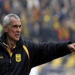كوبر مدرب مصر يستدعي 10 محترفين قبل مواجهة تونس