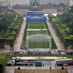 صور| الإرهاب والفيضانات والاحتجاجات.. تحديات تواجه فرنسا قبل «يورو 2016»
