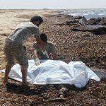 الأمواج تجرف أكثر من 120 جثة لمهاجرين إلى ساحل ليبيا في يوليو