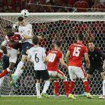 سويسرا تلحق بفرنسا في دور 16 ببطولة أوروبا بعد تعادلهما