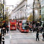 فيديو  400 حافلة تجوب شوارع لندن لجمع تبرعات للاجئين