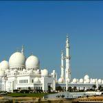 جامع الشيخ زايد الكبير يستقبل آلاف المصلين في العشر الأوائل من رمضان