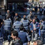 فيديو  الشرطة التركية تعتقل 22 شخصا يشتبه في صلتهم بـ«داعش»