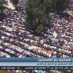 فيديو  الاحتلال يمنع آلاف الفلسطينيين من دخول القدس