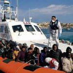 خفر السواحل الإيطالي: أنقذنا 5000 شخص في البحر المتوسط