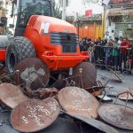 فيديو| إيران تدمر 100 ألف طبق بث تلفزيوني