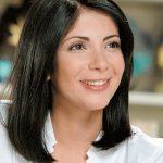منى زكي تهنئ منة شلبي وشريف البنداري على جوائز «وهران الدولي»