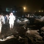 سعوديون ينشرون صور سقوط صاروخ في نجران