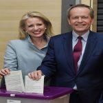 الأستراليون يصوتون في انتخابات تشريعية تشهد منافسة حادة