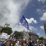 فيديو وصور  عشرات الآلاف يتظاهرون في لندن احتجاجا على مغادرة الاتحاد الأوروبي