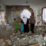 صور  الاحتلال الإسرائيلي يهدم منزلي فلسطينيين نفذا هجوما بالسكين
