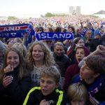 صور| استقبال حافل للمنتخب الأيسلندي رغم الهزيمة القاسية