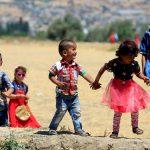 صور  المسلمون يحتفلون بعيد الفطر رغم هجمات الإرهابيين