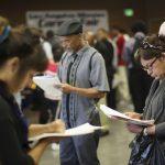 طلبات إعانة البطالة الأمريكية تستقر دون تغيير مع تحسن سوق العمل