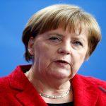 ميركل تقطع عطلتها لمواجهة عاصفة انتقادات لسياستها تجاه اللاجئين