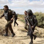 الجيش التونسي يكشف عن مخزن للأسلحة على الحدود مع ليبيا