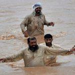 30 قتيلا جراء سيول عارمة اجتاحت منطقة بشمال باكستان