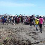 60 ألفا فروا من العنف في جنوب السودان وجماعات مسلحة تقطع الطريق إلى أوغندا