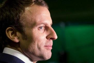 فيديو| مرشح الرئاسة الفرنسي ماكرون يسعى لكسب قلوب العرب عن طريق الجزائر