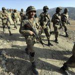 قائد الجيش الباكستاني يصادق على إعدام 30 مسلحا