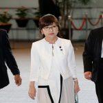 تعديل حكومي في اليابان وتكليف وزيرة قومية سابقة حقيبة الدفاع