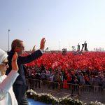 بلومبرج: هل تكون نهاية أردوغان على يد حلفائه السابقين؟