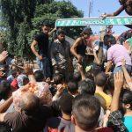 بدء خروج معارضين سوريين من حي محاصر بحمص